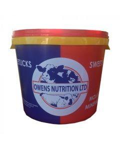 Owens Nutrition GP Cattle & Sheep with Bite-Ban Mineral Bucket 20kg - Cheshire, UK